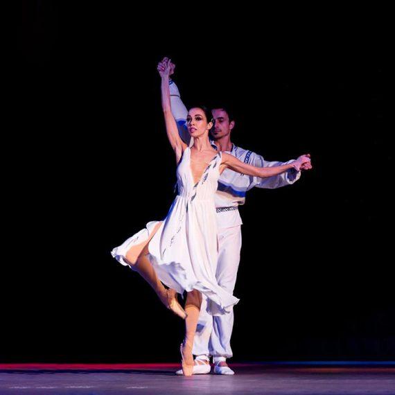 Балет для взрослых. Танцы в Житомире. Танцевальная студия Аванте_04