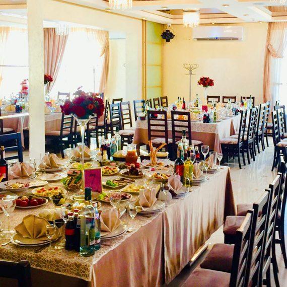 Ресторанно-гостиничный комплекс Relax в Житомире. Банкет в Житомире