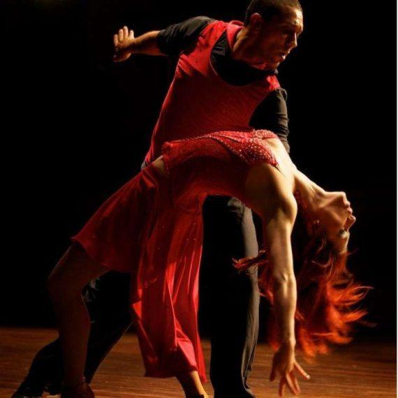 Танцы бачата. Спортивный клуб Yes sport