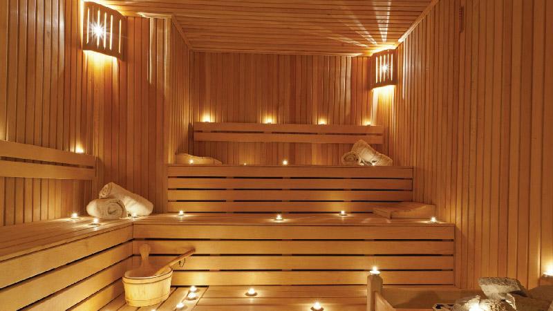 Чем отличается русская баня от финской сауны?